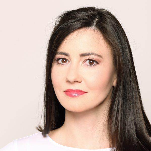 Dr. Maruška Marovt